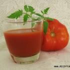 Pomidorų ir svogūnų gėrimas