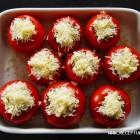 Apkepti, sūriu įdaryti pomidorai