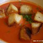 Pomidorų sriuba su skrebučiais